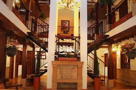 HOTEL JARDINES DE LA VILLA - Villa de Leyva - House