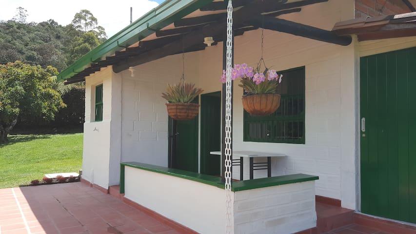 Finca pequeña en La Ceja Antioquia