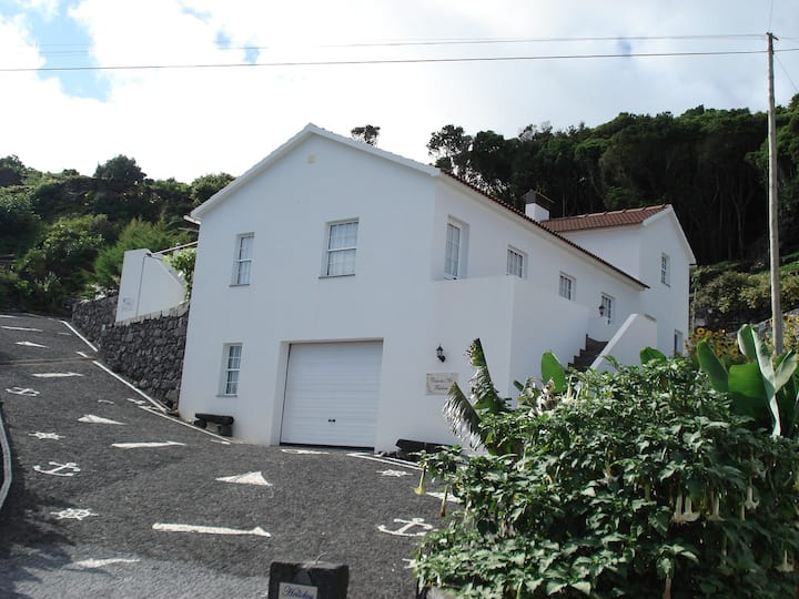 Pico Holiday Rentals - Casa do Avô Faidoca
