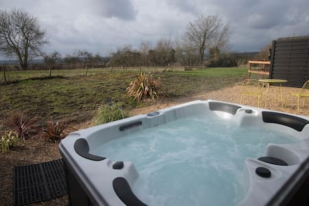 Bethnal&Bec - Luxury Retreat with Hot Tub (Bec)