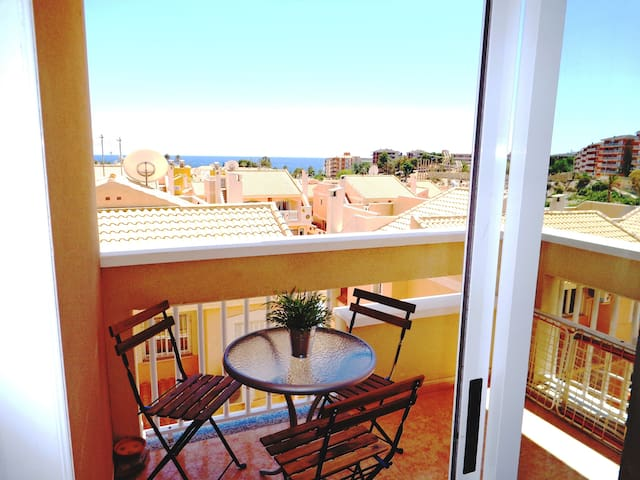 Private Apartment, Stunning Sea View, Roof Terrace