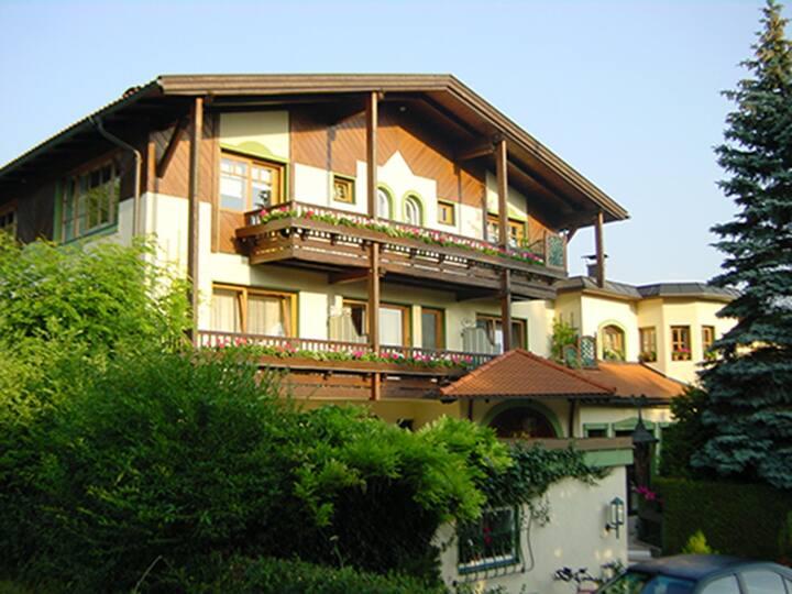Dietrichsteinerhof - ECO Doppelzimmer