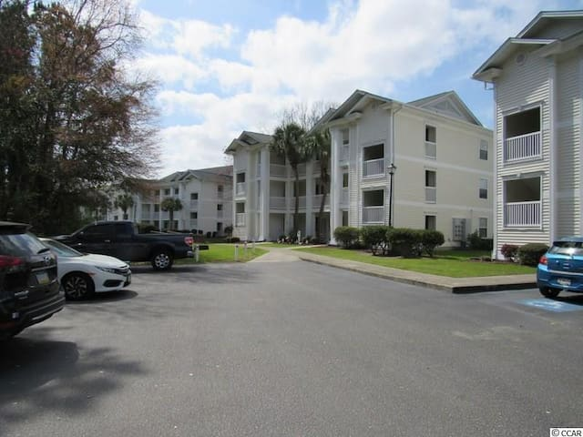 2 Bed. / 2 Bath, 1st floor condo
