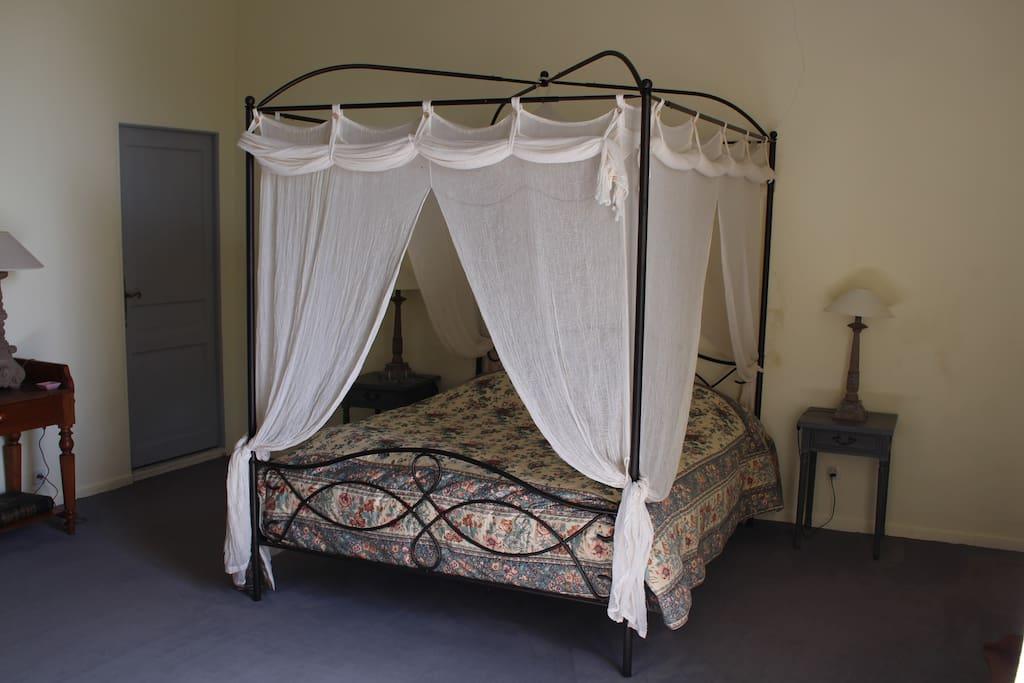 Chambre à baldaquin Camélia