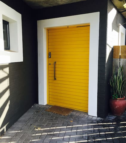 Yellow Door - Cape Saint Francis - Lägenhet