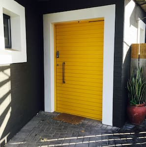 Yellow Door - Appartement