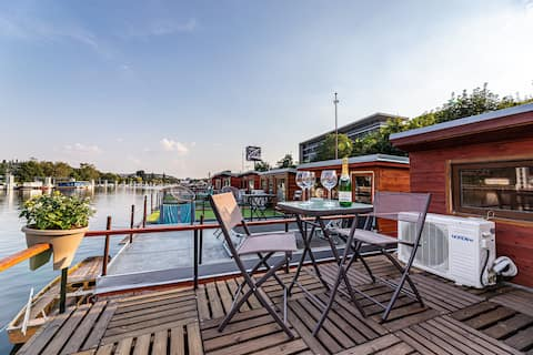 ≋Lovely HOUSEBOAT≋river, nature&relax @ downtown