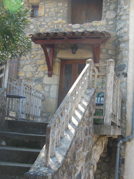 Maison de caractère en centre ville et au bord de l'Ardèche