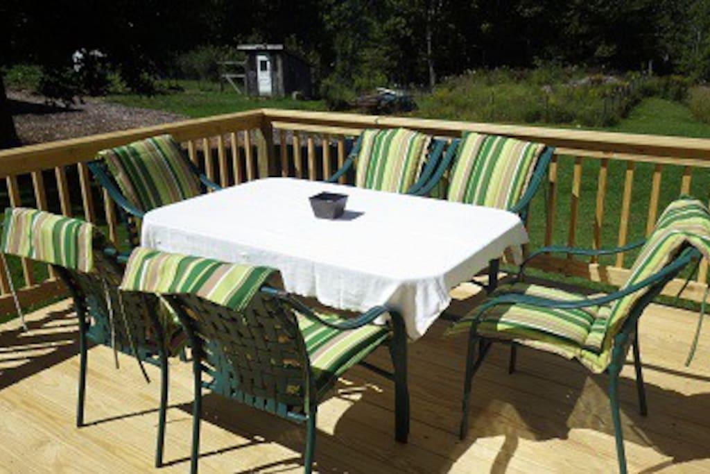 Enjoy breakfast or dinner on the deck!