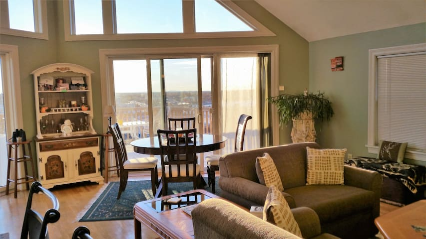 Sunset Suite offers views and charm~ hard to beat! - Portland - Appartement