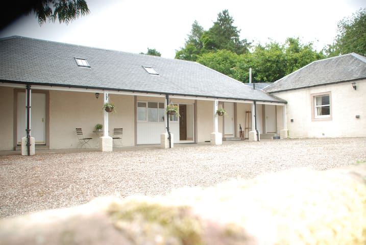 Coach House - Luxurious & Spacious - Muthill - House