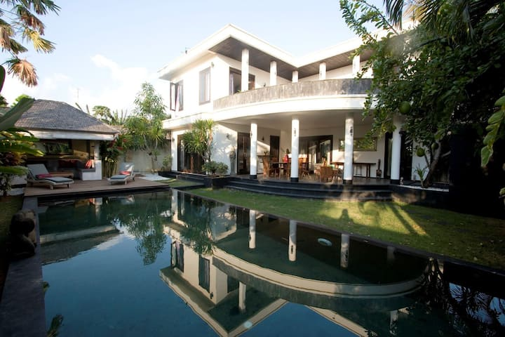 Amazing Villa Pondok Sarah 4 bedroom