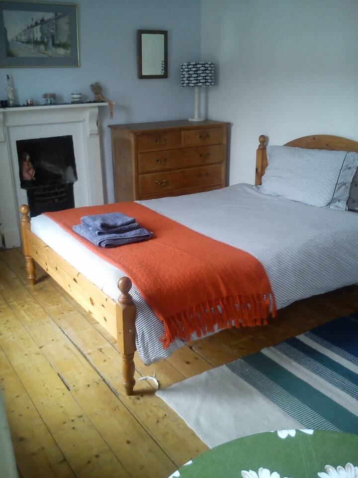 Double room for solo woman traveller