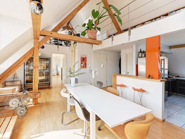 Charmante Penthousewohnung in Schwabing