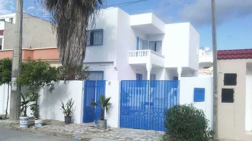 Villa détente de 500 m2 - Korba - วิลล่า