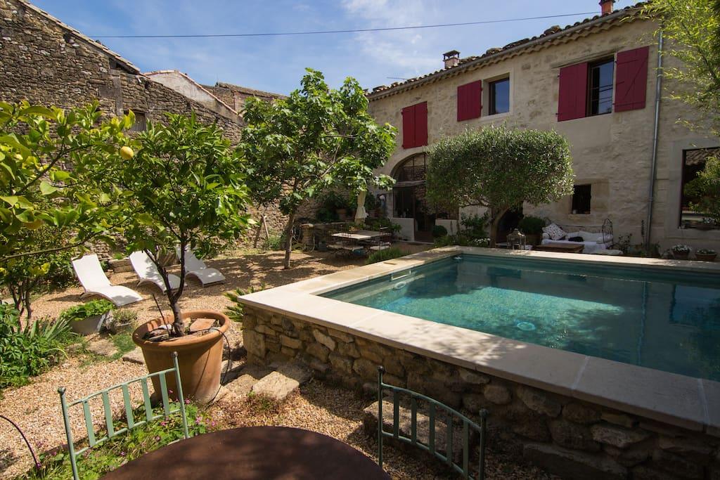 Maison de village du 18 me si cle houses for rent in sauveterre occitanie france - Maison jardin assisted living avignon ...