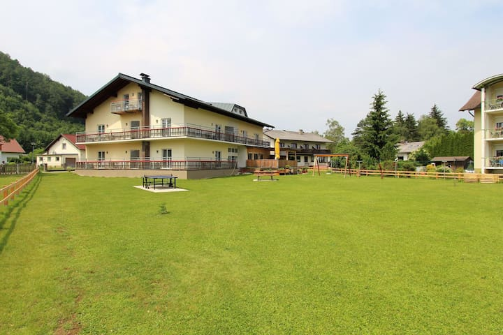 Spacious Apartment in Sankt Kanzian near Lake Klopein