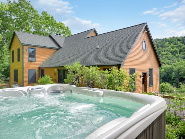 Amazing Newly Constructed S.Vermont with Hot Tub