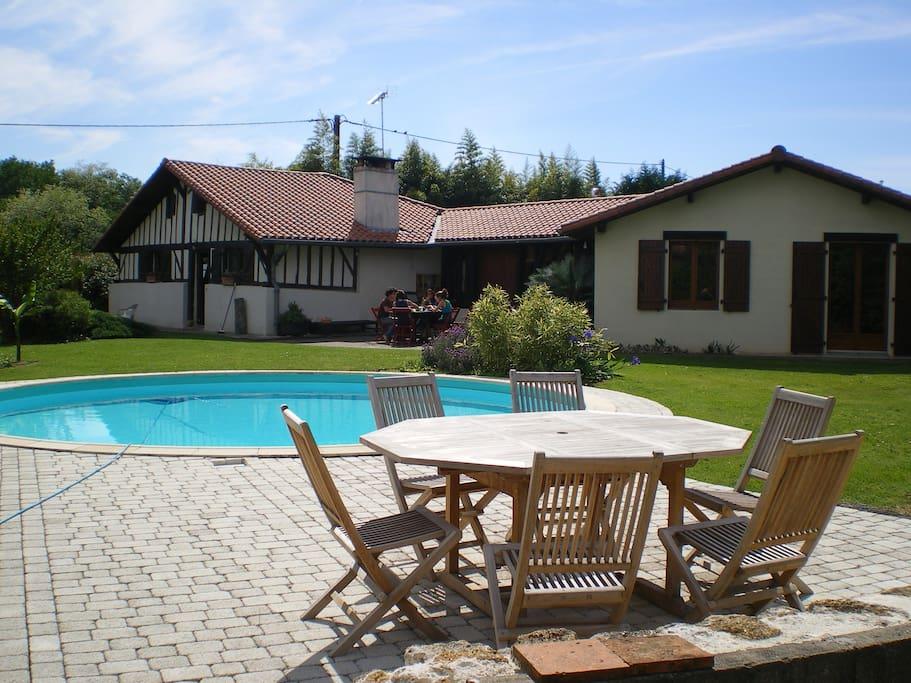 Chambres d 39 h tes avec piscine guest houses louer - Chambre d hote deauville avec piscine ...
