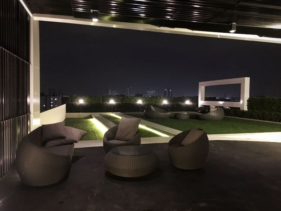 Private Sky Deck