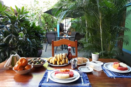 Juancho´s B&B #2. AC. FREE Breakfast