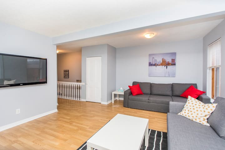 Amazing Home In The Heart of Downtown Ottawa!!!