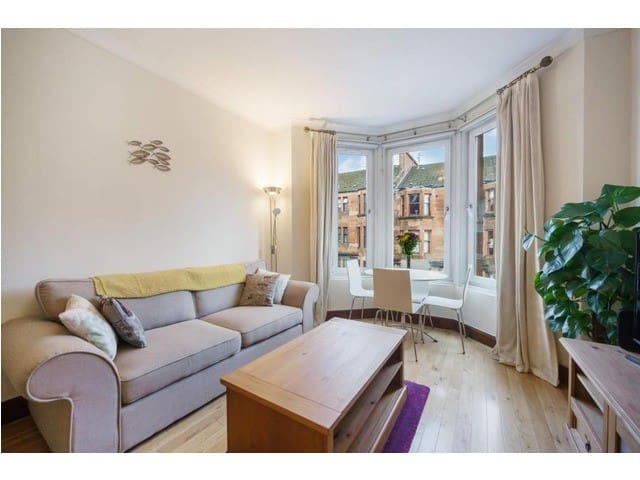 Marchmont Property for long or short stay