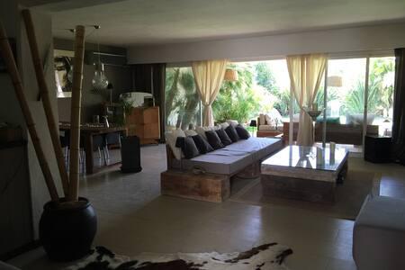 Casa lujo con jardín cerca del mar - 伊比萨 - 独立屋
