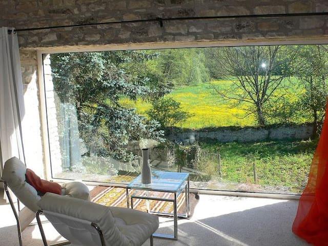 "Double room-Comfort-Private Bathroom-Garden View-Chambre ""Avec vue"""