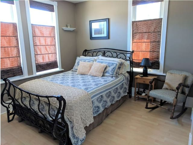 The Whitewater Inn - Butterfly Suite