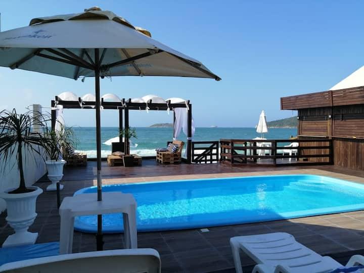 Apartamento Luxo Frente mar sacada e churrasqueira