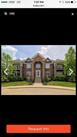 Beautiful 3 bed/2 bath Condo - Louisville - Osakehuoneisto