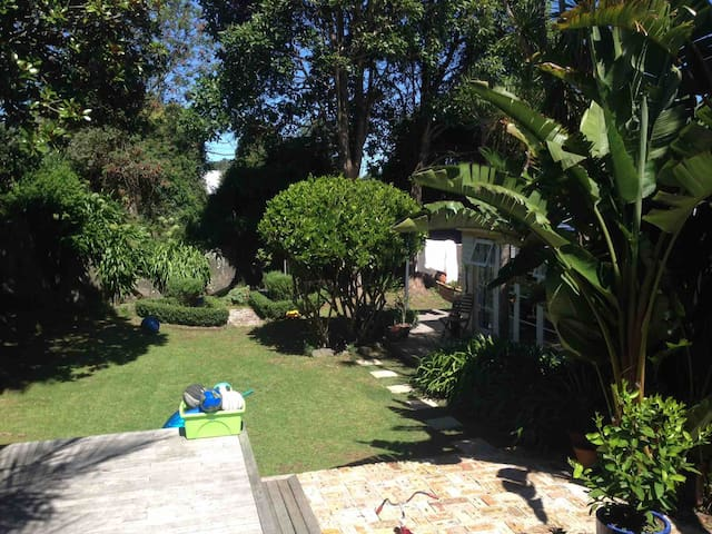 Self contained guest house - Garden of Eden