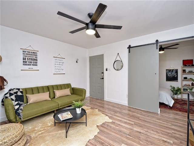 Chic 1br in the Heart of ATX