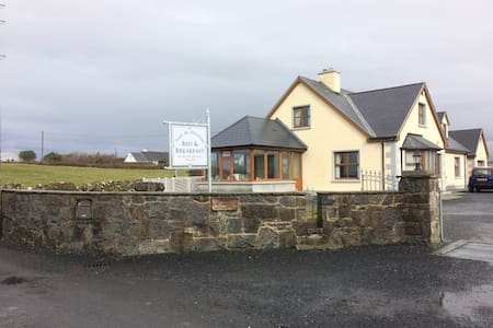 Castle view room Doolin