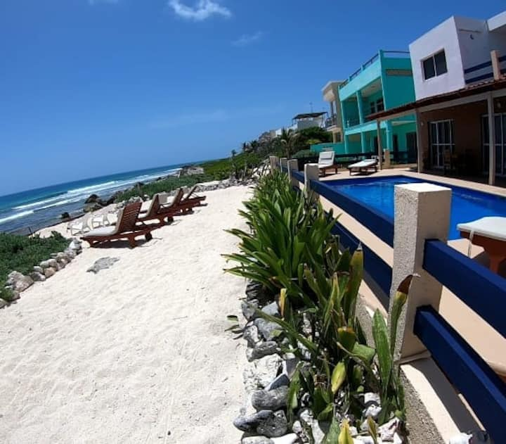 Ocean front, pool... #3 studio at Punta Piedra!