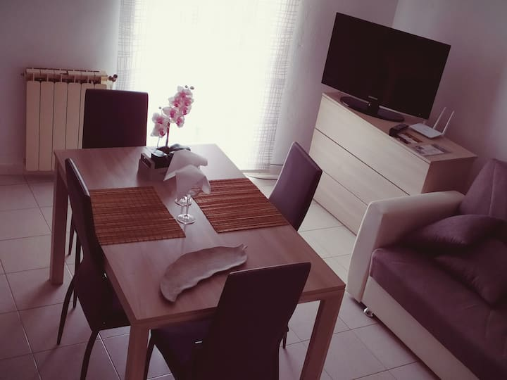 "Guest House "" l@u del mar ""Next to 5 Lands- 25'"