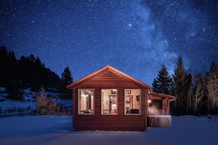 "***Creekside in the Crazy Mountains!**  Beautiful Brand NEW Cabin  ""15% Winter Stay Discount!"" No"