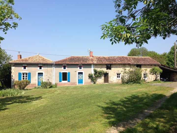 Country house peaceful close to the main sights