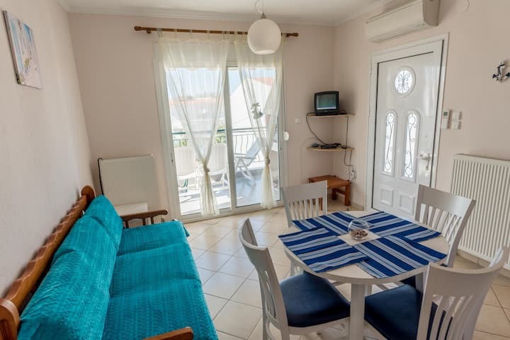 Sunny beach apartment 250m from the sea!