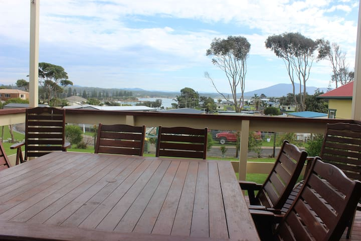 Spotted Gum - Murunna Cottages - Bermagui - Hus