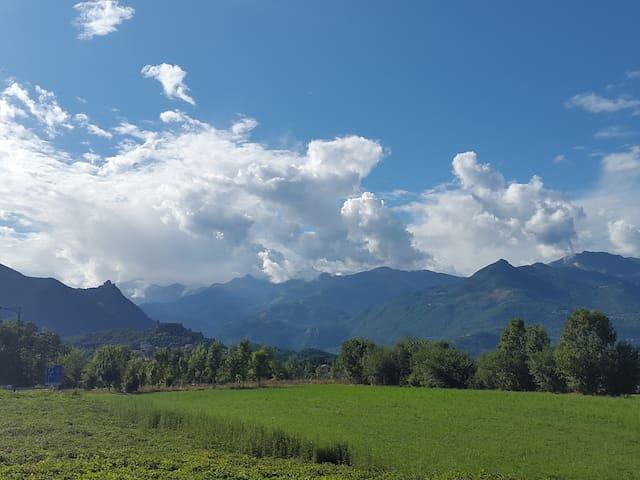 Trilocale centro con vista montagne - Buttigliera Alta - Daire