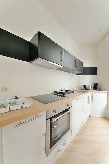 Flat centre of brussels rue des capucins 39 2d appartements louer bruxelles brussels - Flat meuble a louer bruxelles ...