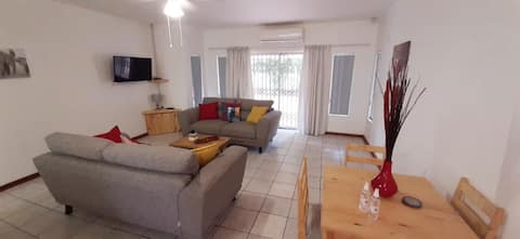 Entire home close to Kruger, shops & airport