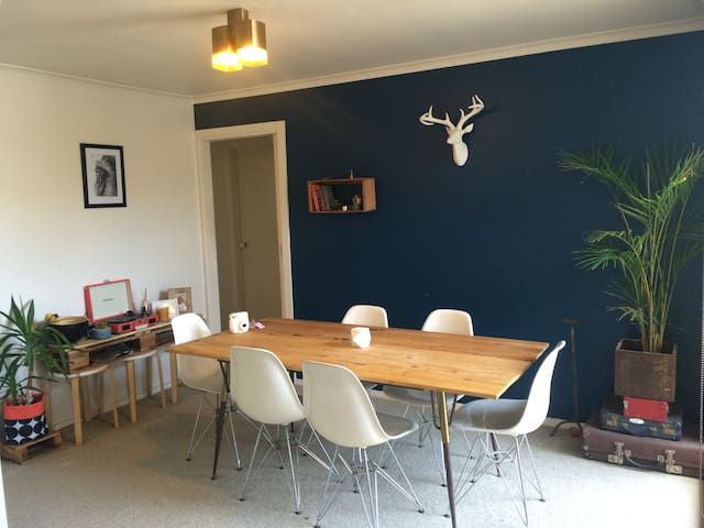 Ideal location, walking distance to everything! - Torquay - Huoneisto