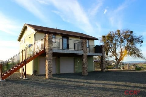 Clean, Safe, & Available Blue Moon Hilltop Getaway