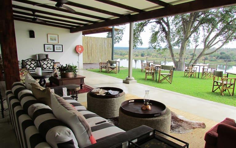 Buhala Lodge - Malelane - Bed & Breakfast