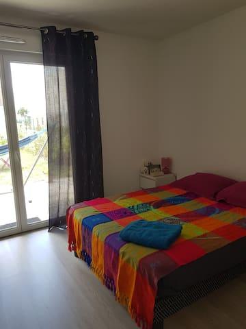 Great bedroom with garden, quiet,