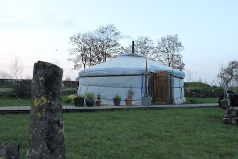 Todo se Pasa Yurt