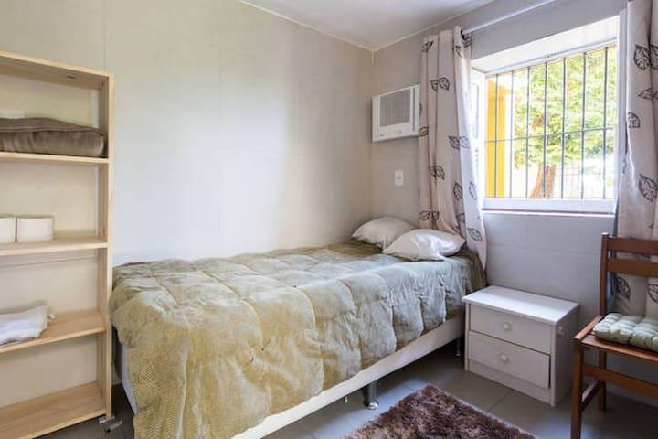 Suite em palacete estilo eclético
